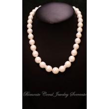 """""""Mari del Sud"""" Pearl Necklace"""
